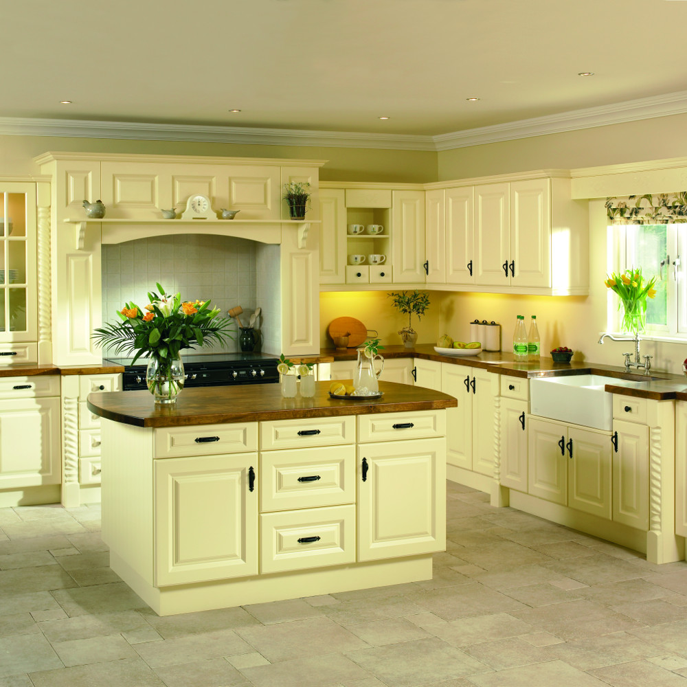 Traditional kitchens kitchens direct ni for Kitchens direct