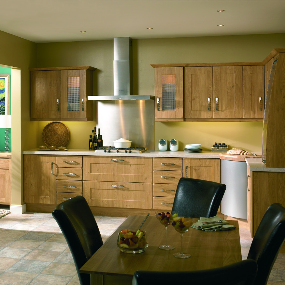 Houston pippy oak kitchens direct ni for Traditional kitchens ireland