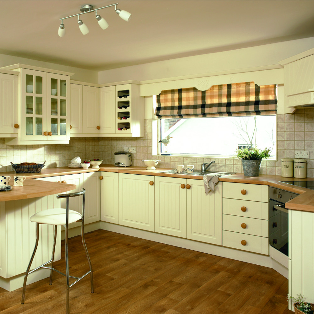 Stockholm ivory kitchens direct ni for Traditional kitchens ireland