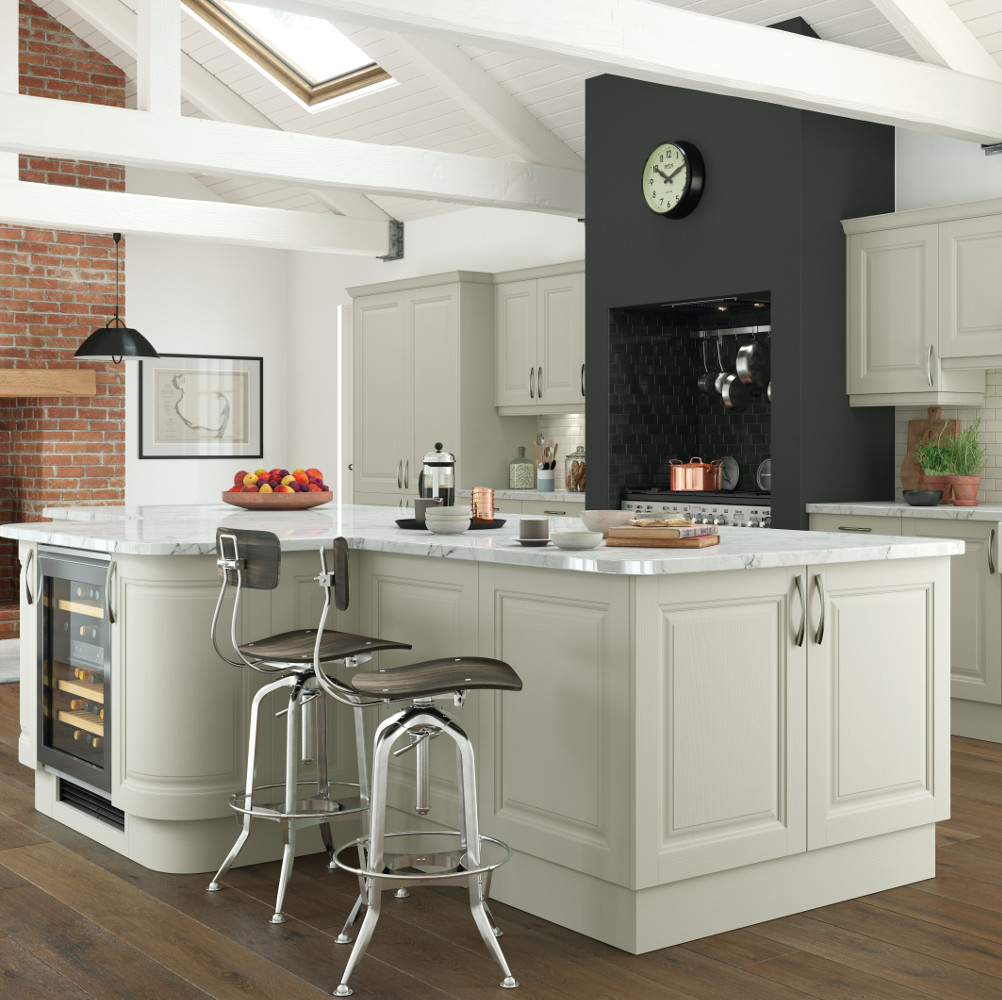 Jefferson painted mussel kitchens direct ni for Traditional kitchens ireland